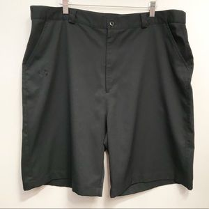 Under Armour • Men's Flat Front Golf Shorts Sz 40